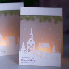 hübsche Lichterkarte. Mit dem Stanzenset Winterstädtchen kann man so entzückende Szenekarten werkeln. ⠀ #stampinup #weihnachten #weihnachtskarte #winterstädtchen #christmascard #weihnachtsvideo #7tageweihnachten