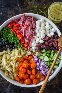 Italian Pasta Salad is an easy recipe that& perfect for meal prep. It has rotini pasta, salami, mozzarella, healthy veggies and homemade Italian dressing. Our favorite pasta salad recipe. salad with italian dressing Salad Recipes Video, Pasta Salad Recipes, Healthy Salad Recipes, Homemade Pasta Salad, Healthy Pasta Salad, Recipe Pasta, Healthy Pastas, Healthy Vegetables, Veggies