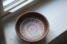 Mandala 2 on wooden bowl by theCircles on Etsy. EElan photography