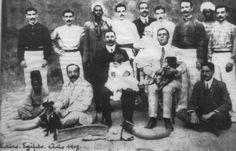 Cuadro de pelotaris del Frontón de El Cairo en el año 1908. Entre otros: Calvar, Lasa, Ugarte......