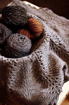 Ravelry  Hemlock Ring Blanket pattern by Jared Flood patron gratuit et  laine sublime! 7817e36fe746