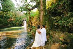 Maui Waterfall Bridal Photo Shoot - Anna Kim Photography