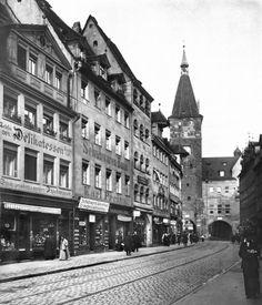 Hier ist die Innere Laufer Gasse und der Laufer Schlagturm im Jahre 1912 zu sehen. 13.08.2016 © Stadtarchiv Nürnberg