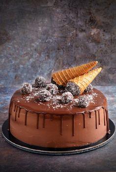 Nutellás kókusztorta recept - kókuszgolyó torta fagyitölcsérrel