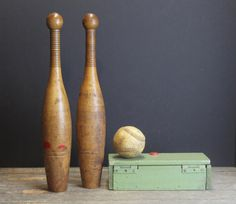 Vintage Juggling Clubs // Wooden Skittles  // Circus by MyBarn