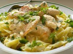 Рецепта за Салата с пилешко и ананас