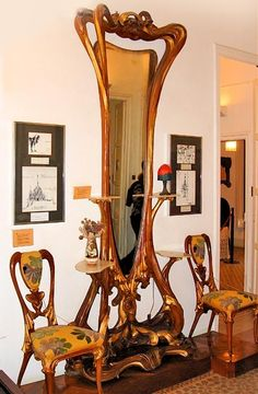 Living Room Art Nouveau - Art Nouveau Interior Design is indeed not something that is commonly applied by everyone, it takes dedication to decorate Design Art Nouveau, Art Nouveau Interior, Art Nouveau Furniture, Decor Interior Design, Interior Decorating, Decorating Ideas, Casa Gaudi, Antoni Gaudi, Muebles Estilo Art Nouveau