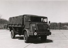 DAF YA 314, vrachtauto voor algemeen gebruik, 3 ton, 4x4, 24 V. Geschikt voor vervoer van personen en goederen. In grote getale met diverse varianten- totaal 4400 voertuigen- in gebruik geweest bij de Koninklijke Landmacht in de periode 1955-1990 (circa).