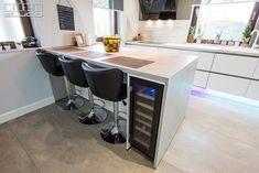 Corner Desk, Kitchen Design, Design Inspiration, Modern, Table, Studio, Furniture, Home Decor, Houses