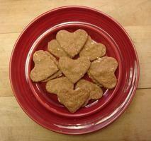 Make your doggie a Valentine treat! #pets #dog #bake