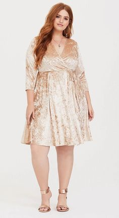 Curvy friends - plus size fashion tips, videos and photos. gorgeous 43 stylish plus size women outfits for winter party Plus Size Wedding Guest Dresses, Plus Size Party Dresses, Party Dresses With Sleeves, Party Dresses For Women, Bride Dresses, Trendy Dresses, Elegant Dresses, Casual Dresses, Plus Size Fashion For Women