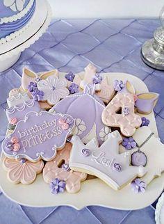 Per realizzare una bella festa a tema principessa bastano dei bellissimi biscotti principeschi!