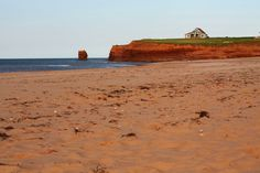 Prince Edward Island - Tiny island with lots of charm, beautiful cliffs and red sand
