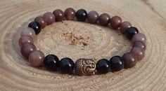 Náramek z přírodních avanturínových korálků s obsidiánem a Buddhou Přírodní náramek z hnědého avanturínu a černého obsidiánu s mosazným Buddhou.  Délka cca 18-19 cm, navlečeno na elastickém provázku. Velikost korálků: 8 mm Buddha, Beaded Bracelets, Jewelry, Jewlery, Jewerly, Pearl Bracelets, Schmuck, Jewels, Jewelery
