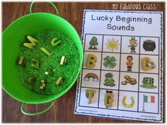 """This freebie from another teacher on TPT would go great with my phonics """"What begins with?"""" materials in my new Leprechaun Fun unit. Thanks for the freebie: My Fabulous Class: Crafty Sunday.with some FREEBIES! Kindergarten Reading Activities, Kindergarten Literacy, Emergent Literacy, San Patrick Day, Phonological Awareness Activities, March Themes, Beginning Sounds, Spring Theme, Letter Sounds"""
