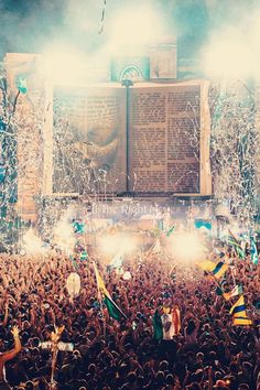 Tomorrowland is bae //
