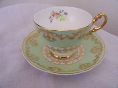 Leonard St Pottery, Burslem, England - 1940s - Princess pattern