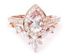 Pear Morganite & Diamond Halo Engagement Ring set, Weeding rings set, Morganite Bridal Set, Rose Gold Engagement Ring Set.
