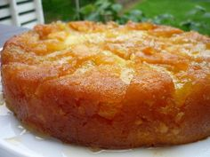 Gâteau aux pommes façon tatin My Recipes, Sweet Recipes, Cooking Recipes, Apple Deserts, Delicious Desserts, Yummy Food, Yogurt Cake, French Pastries, Savoury Cake