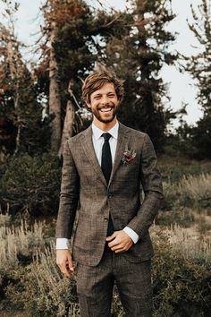 This Mount Rose Trail wedding is authenticity at its finest and features a romantic hillside ceremony, an intimate dinner party, and sweet boho vibes. Brown Suit Wedding, Tweed Wedding, Wedding Groom, Wedding Men, Wedding Attire, Rustic Wedding, Brown Tux, Brown Suits, Brown Tweed Suit