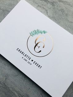C E intitialen logo // trouw // design Mosstudio // Charlotte & Evert //E + C //Trouwuitnodiging met rosé folie // trouwen // wedding // folie // rosé //eucalyptus Wedding Logo Design, Wedding Logos, Monogram Wedding, Wedding Cards, Wedding Initials, Invitation Design, Invitation Cards, Minimalist Wedding Invitations, Eucalyptus Wedding