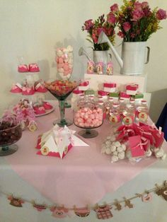 Baby shower with sprinkling (shower) cans to hold flowers Baby Shower Candy, Baby Shower Parties, Baby Shower Themes, Baby Shower Decorations, Baby Shower Gifts, Baby Gifts, Baby Showers, Shower Ideas, Winter Wonderland Decorations