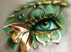 Cool eye makeup for the look!