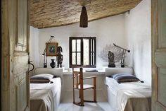 serge-castella-interiors-mediterranean-guest-house-01