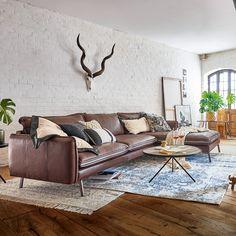 Auf der Suche nach einem neuen Lieblings-Sofa? Wir haben da etwas für Dich ... ... einen modernen Klassiker! Sofas, Lounge, Modern, Couch, Table, Home Decor, Furniture, Nature, Inspiration