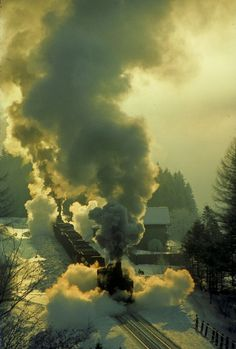 Steam train in Winter Train Tracks, Train Rides, Old Trains, Vintage Trains, Old Steam Train, Train Journey, Steam Locomotive, Train Station, Scenery
