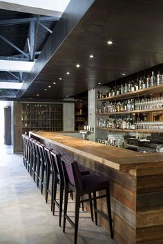 Never love a wood bar top, but the cut of this one is super modern Bar Interior Design, Restaurant Interior Design, Cafe Design, Basement Bar Designs, Home Bar Designs, Bar Lounge, Bar Counter Design, Deco Restaurant, Luxury Bar