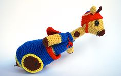 Perry, the cannonball giraffe | Amigurumi Circus design contest | entry by Crafteando, que es gerundio
