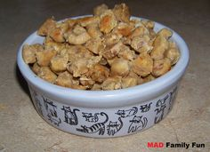 """My aunt is going to love these. Homemade cat treats w/tuna, pumpkin, dried catnip - The (mis)Adventures of a """"Born Again"""" Farm Girl. Pumpkin helps with hairballs. Cat Recipes, Dog Food Recipes, Healthy Cat Food, Homemade Cat Food, Pet Treats, Pet Health, Back Home, Cooking, Tuna"""