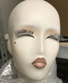 Extravagante Make-up Gestaltung für High-Fashion Mannequins zur EuroShop 2017 für Prange Düsseldorf Königsallee. #Make-up #fancy #crative #Mannequins #store