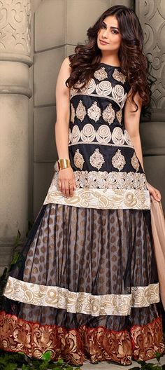 433189 Black and Grey  color family Party Wear Salwar Kameez in Net, Raw Dupion Silk, Silk fabric with Border, Floral, Lace, Machine Embroidery work .
