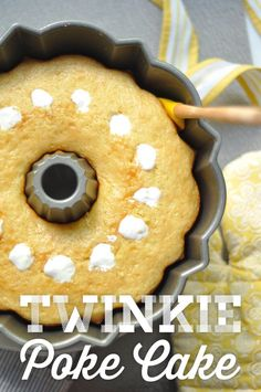 Homemade Twinkie Bundt Cake – This easy bundt cake recipe tastes and looks like a giant Twinkie! A super easy and yummy dessert. Cute for a birthday party, baby shower, Easter, or just for fun! More from my siteTwinkie Bundt Cake Poke Cakes, Bunt Cakes, Cupcake Cakes, Mini Bundt Cake, Bundt Cake Pan, Pound Cake, Köstliche Desserts, Dessert Recipes, Vanilla Desserts