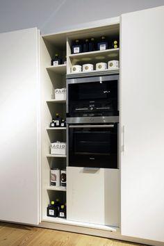 Columna para ocultar a la visión los electros. #diseño #cocinas #electrodomesticos