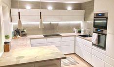 New kitchen ikea voxtorp lights ideas Kitchen Ikea, Kitchen Interior, New Kitchen, Kitchen Dining, Kitchen Decor, Ikea Hack, Voxtorp Ikea, Kitchen Countertops, Kitchen Cabinets