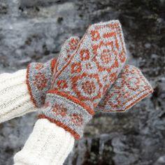 Redd Barna-votter (naturgrå/cognac) | Garnkurven Knit Mittens, Mitten Gloves, Hand Warmers, Fingerless Gloves, Knit Crochet, Textiles, Lettering, Knitting, Diagram