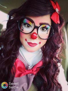 makeup ideas for halloween makeup ideas for halloween makeup ideas makeup ideas witch clown makeup ideas makeup ideas mouse makeup ideas makeup ideas witch Halloween Clown, Cute Clown Costume, Clown Costume Women, Halloween Makeup Looks, Pretty Halloween, Halloween Photos, Girl Clown Makeup, Creepy Clown Makeup, Scary Clowns