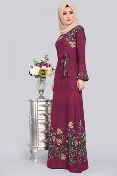 ** YENİ ÜRÜN ** Volan Kol Tesettür Elbise Şarabi Ürün kodu: NPL1225 --> 44.90 TL Abaya Fashion, Muslim Fashion, Modest Fashion, Fashion Dresses, Hijab Gown, Hijab Outfit, Estilo Abaya, Long Dress Design, Hijab Style