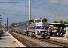 Amtrak 509 leads a Surfliner train filled with Thanksgiving travelers southbound towards San Diego.