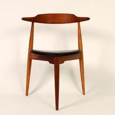 Hans Wegner for Fritz Hansen - Hjertestolen (Heart Chair) #danish #design #chair