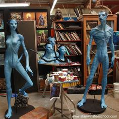 Finished Na'vi reference pieces for James Cameron's AVATAR at Stan Winston Studio. Painted by John Cherevka and John Rosangrant. #navi #avatar #jamescameron #stanwinston #stanwinstonstudio #paint #paintwork #blue #nature #species #pieces #practicaleffects