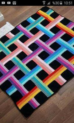 Nancy Cowan's media content and analytics Crochet Afghans, Crochet Square Blanket, Manta Crochet, Crochet Blocks, Tunisian Crochet, Afghan Crochet Patterns, Crochet Baby, Knit Crochet, Bargello Quilts