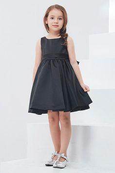 cbf107d999c A-Line Sleeveless Knee-Length Flower Girl Dresses with Bow