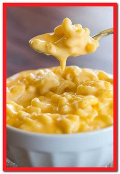Macaroni and Cheese Creamy Stovetop Macaroni and Cheese - This is the creamiest, cheesiest stovetop macaroni and cheese you'll ever eat!Creamy Stovetop Macaroni and Cheese - This is the creamiest, cheesiest stovetop macaroni and cheese you'll ever eat! Cheesy Mac And Cheese, Stovetop Mac And Cheese, Mac And Cheese Homemade, Creamiest Mac And Cheese, Creamy Macaroni And Cheese, Simple Mac And Cheese, Mac And Cheese Sauce, Creamy Cheese, Lactose Free Mac And Cheese
