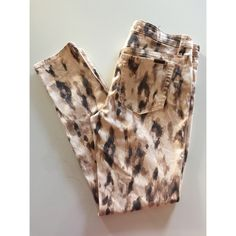 """• Joe's jeans • Leopard print • As seen on Kendall Jenner • Excellent condition, worn a few times • 43% Lyocell, 26% Cotton, 17% Rayon, 13% Polyester, 1% Spandex • Fit: High water • Inseam: 28"""" • NO TRADES/HOLDS • All reasonable offers accepted • Joe's Jeans Jeans"""