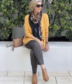 fashion over 50 women casual 50 style Over 60 Fashion, Mature Fashion, Older Women Fashion, Over 50 Womens Fashion, 50 Fashion, Fashion Trends, Cheap Fashion, High Fashion, Fashion Jewelry