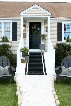 Outdoor Decorating/Gardening : Ready to freshen up your front porch for spring or summer? Come see how we painted our front porch with painted stripe steps! Front Porch Stairs, Porch Steps, Br House, House With Porch, Front Porch Makeover, Farmhouse Front Porches, Building A Porch, Porch Decorating, Decorating Ideas